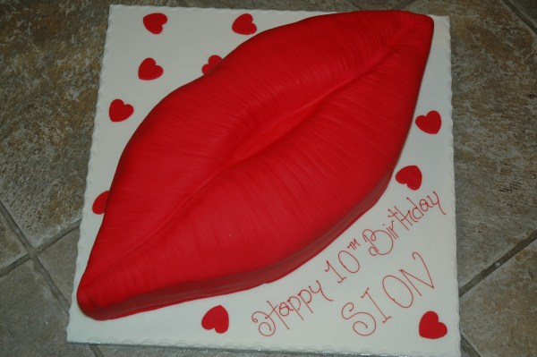 Novelty-cakes-12