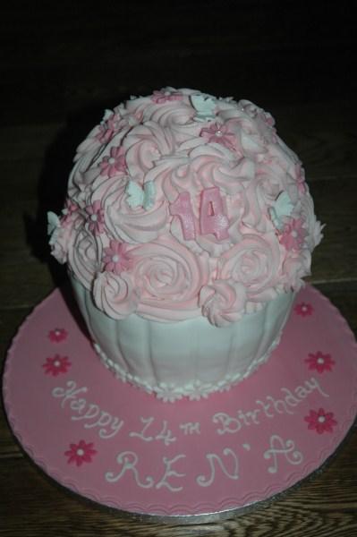 Novelty-cakes-17
